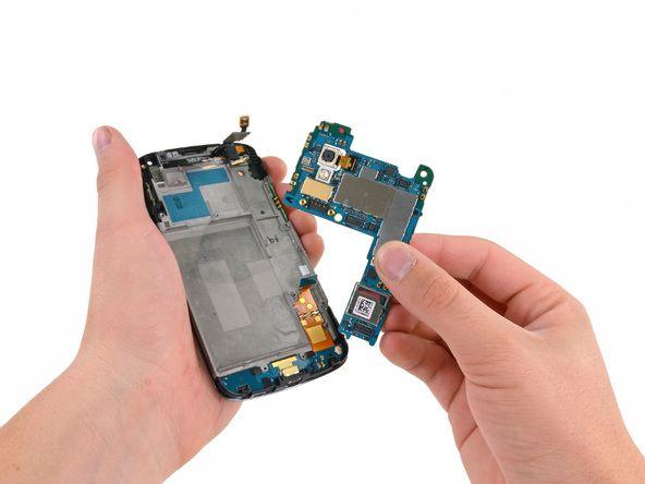 nexus 4, Nexus 4 : une puce LTE dormante ?