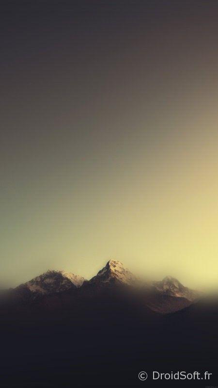 wallpaper-blur-flou-colors- montagne blur smartphone