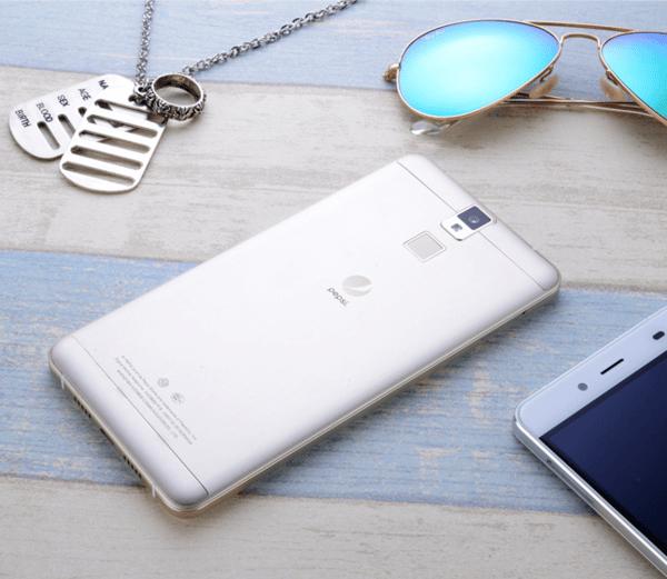 23360_pepsi-devoile-son-premier-smartphone