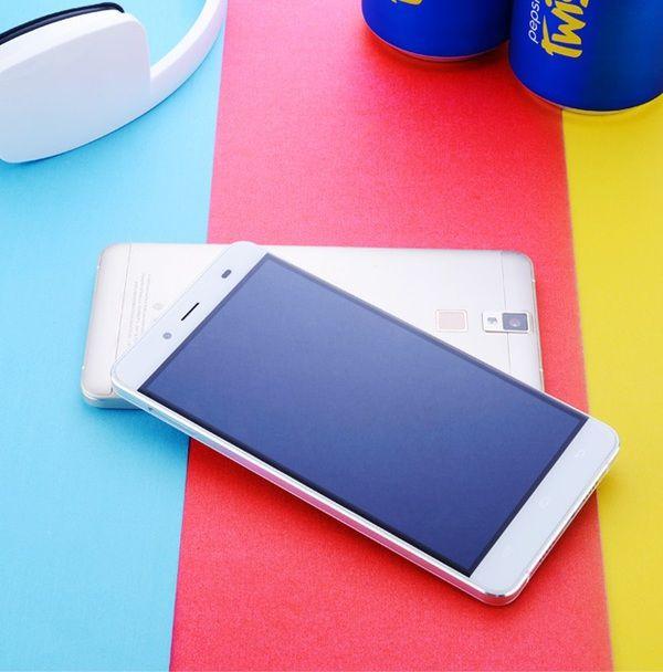 23361_pepsi-devoile-son-premier-smartphone