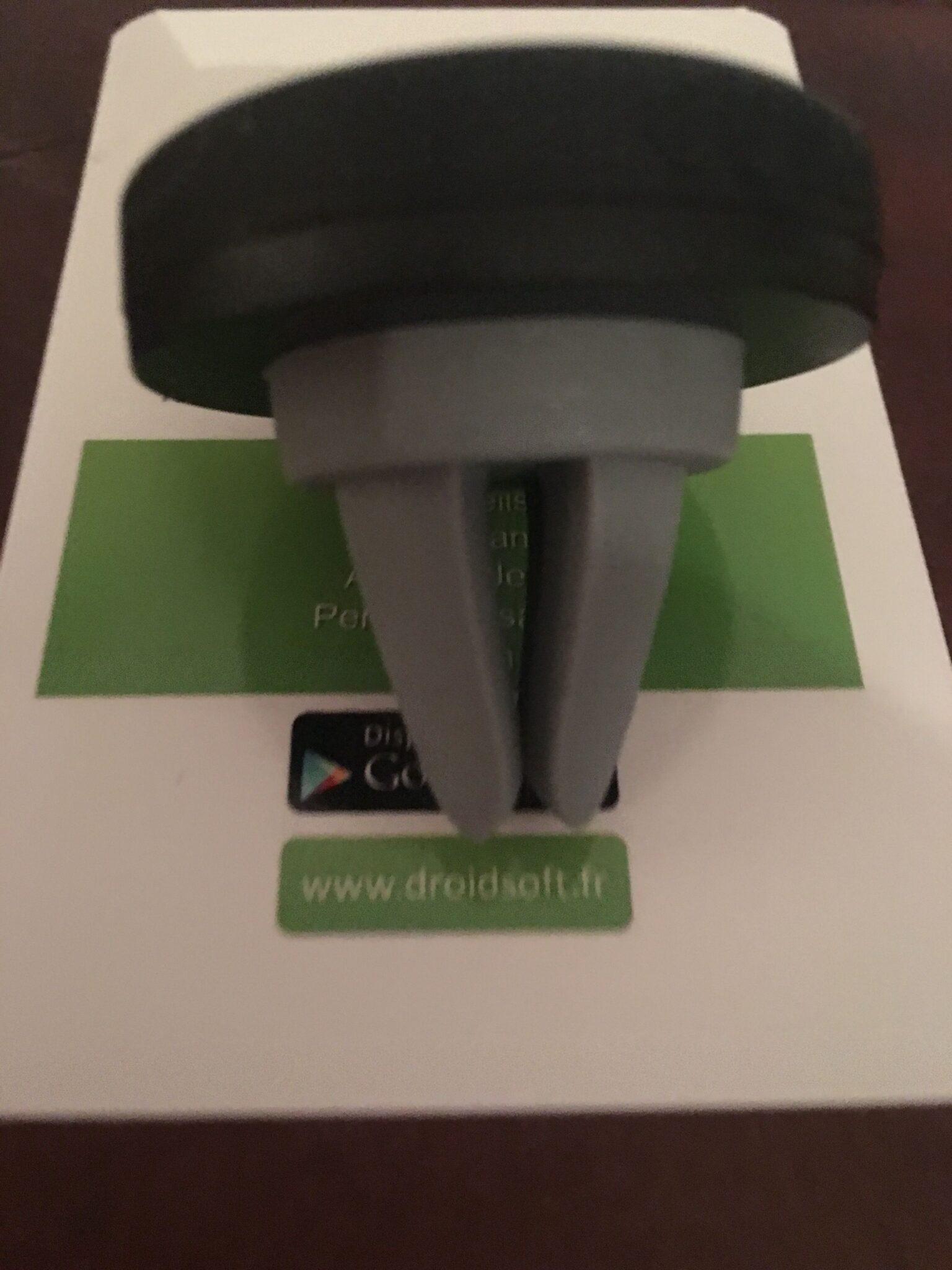 Test du support voiture aimanté pour grille d'aération de voiture de Syncwire 5