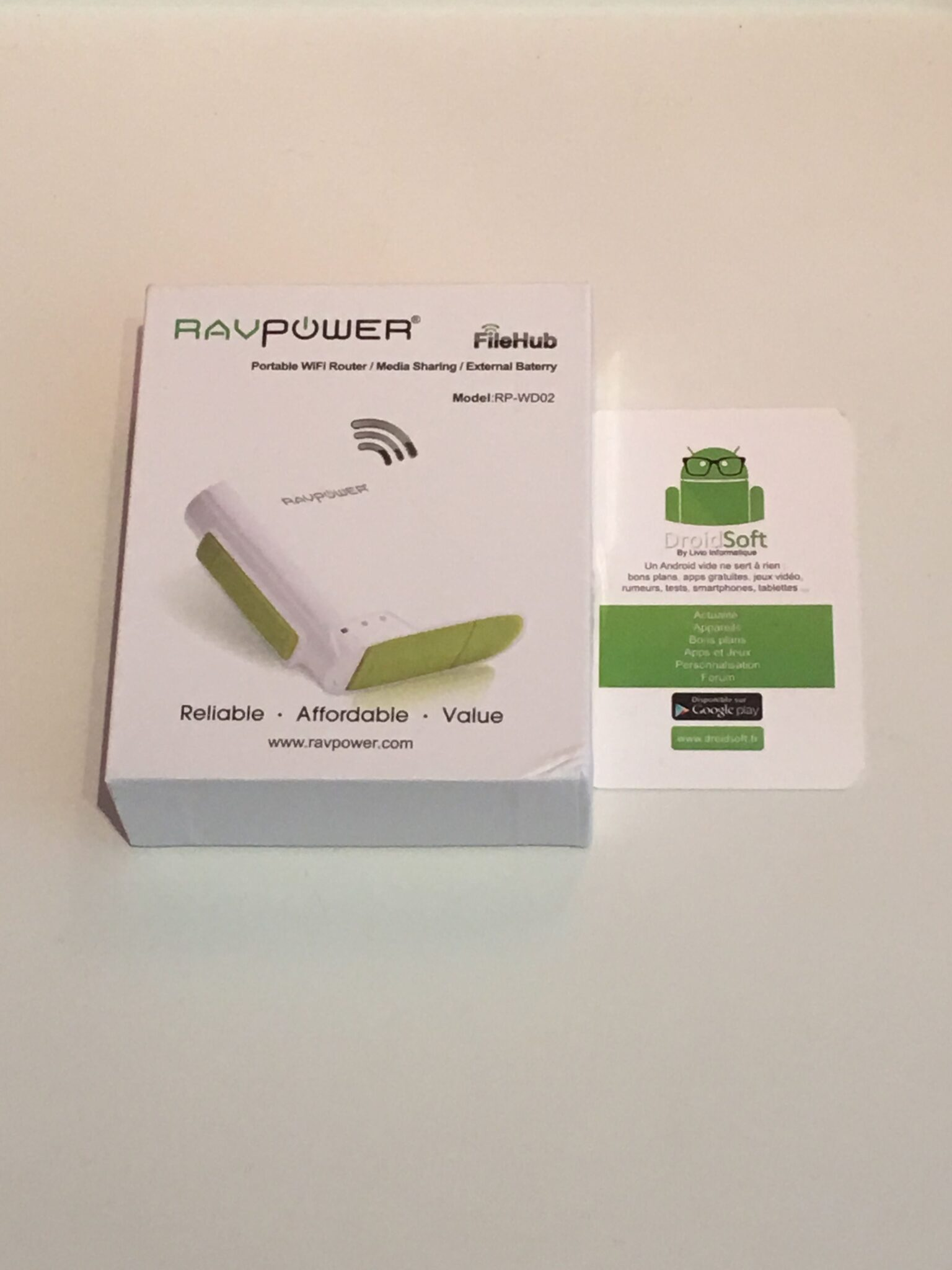 RAVPower à RP-WD02 6-en-1 FileHub  1