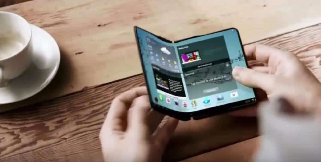 th_samsung-smartphone-pliable