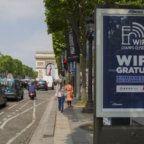 JCDecaux-Bornes-WiFi-Paris-Champs-Elysees