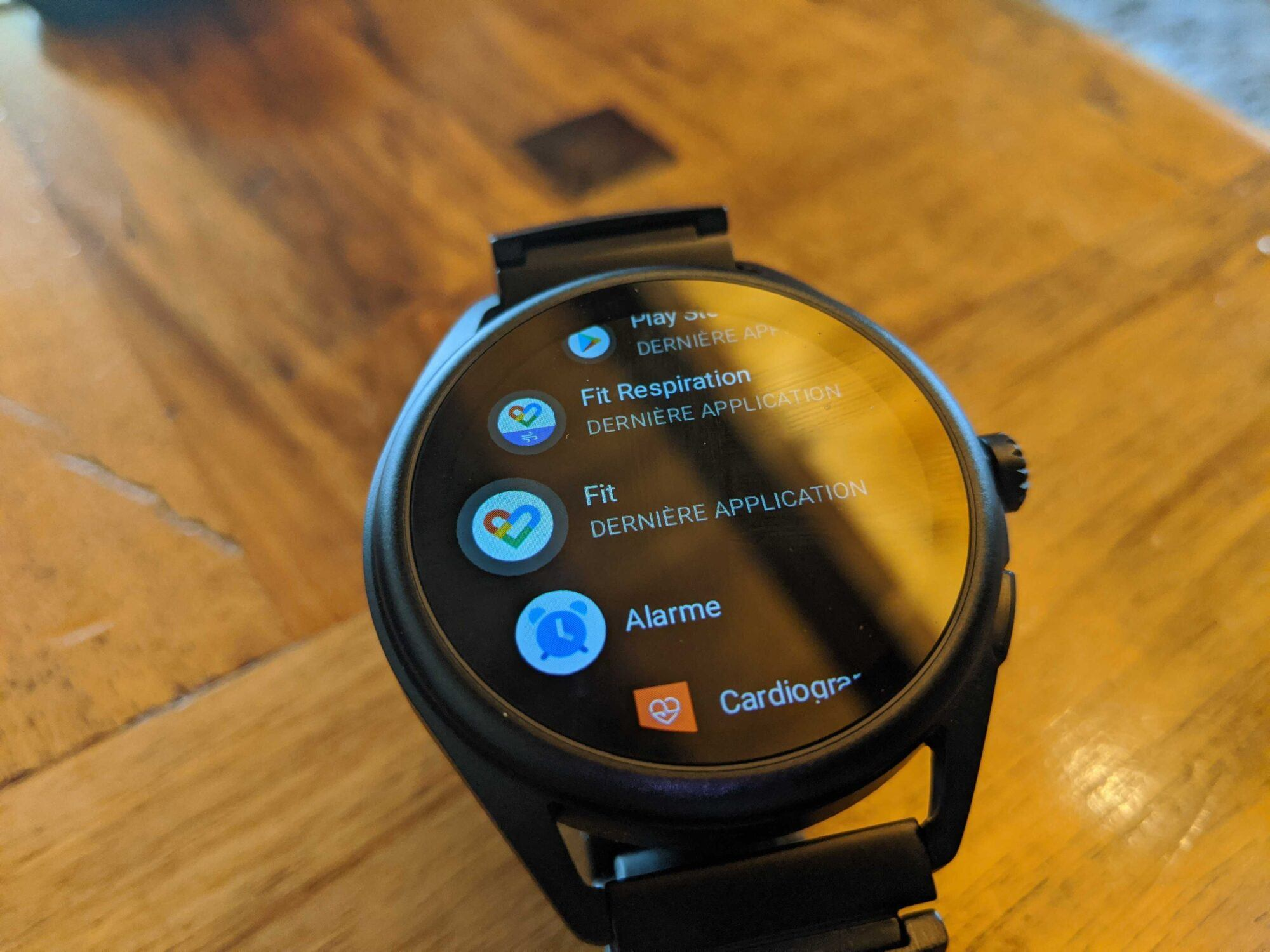 fitness, google fit, google, play store Emporio Armani smartwatch