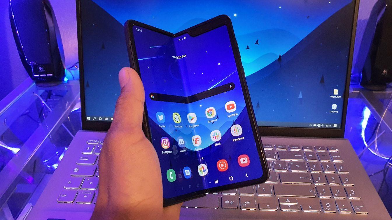 , Samsung Galaxy Z Fold 3 : une fuite dévoile un écran plus petit que le Fold 2