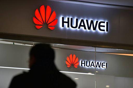 5g huawei, Exclusion controversée de la 5G Huawei au Royaume-Uni