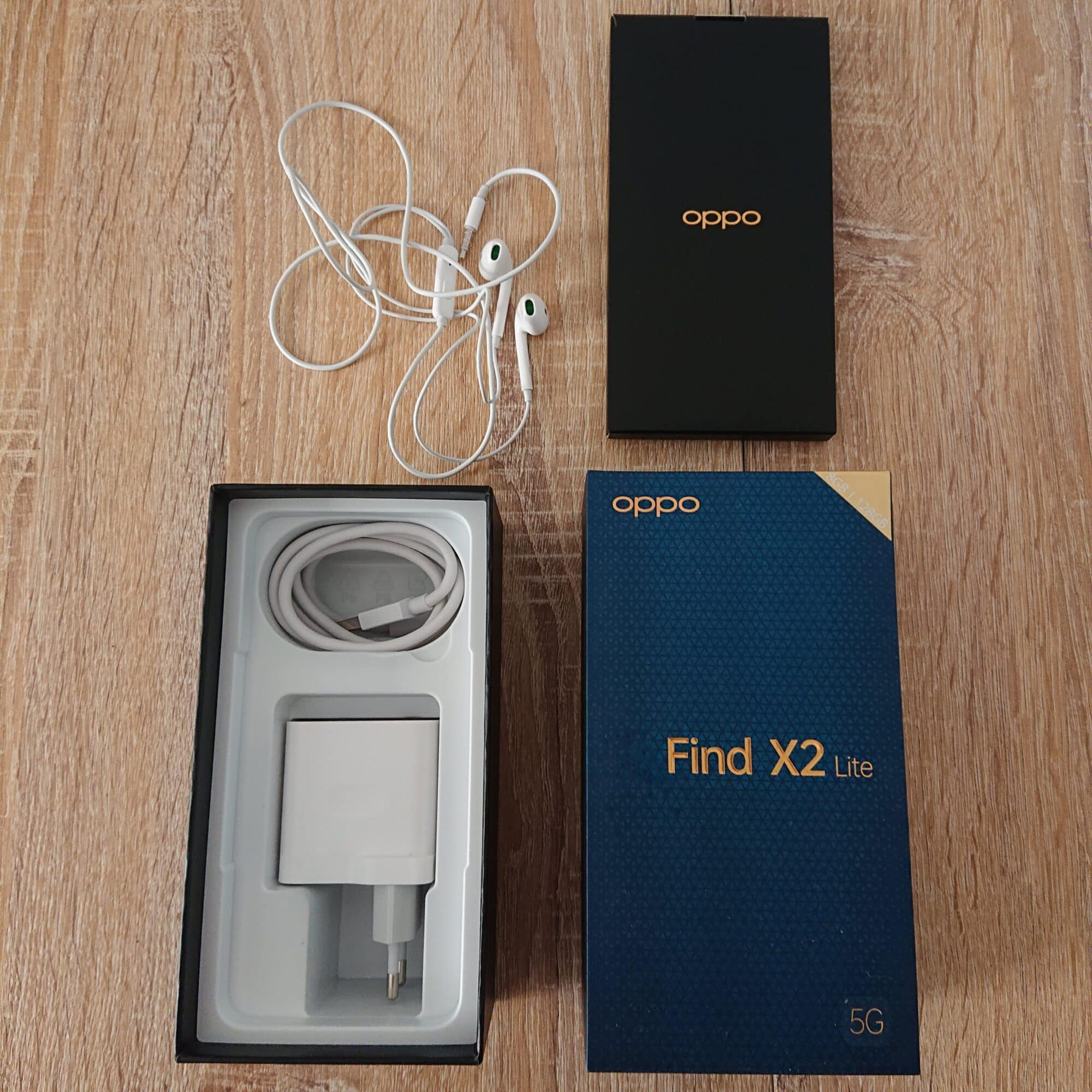 la boîte de l'Oppo Finc X2 Lite