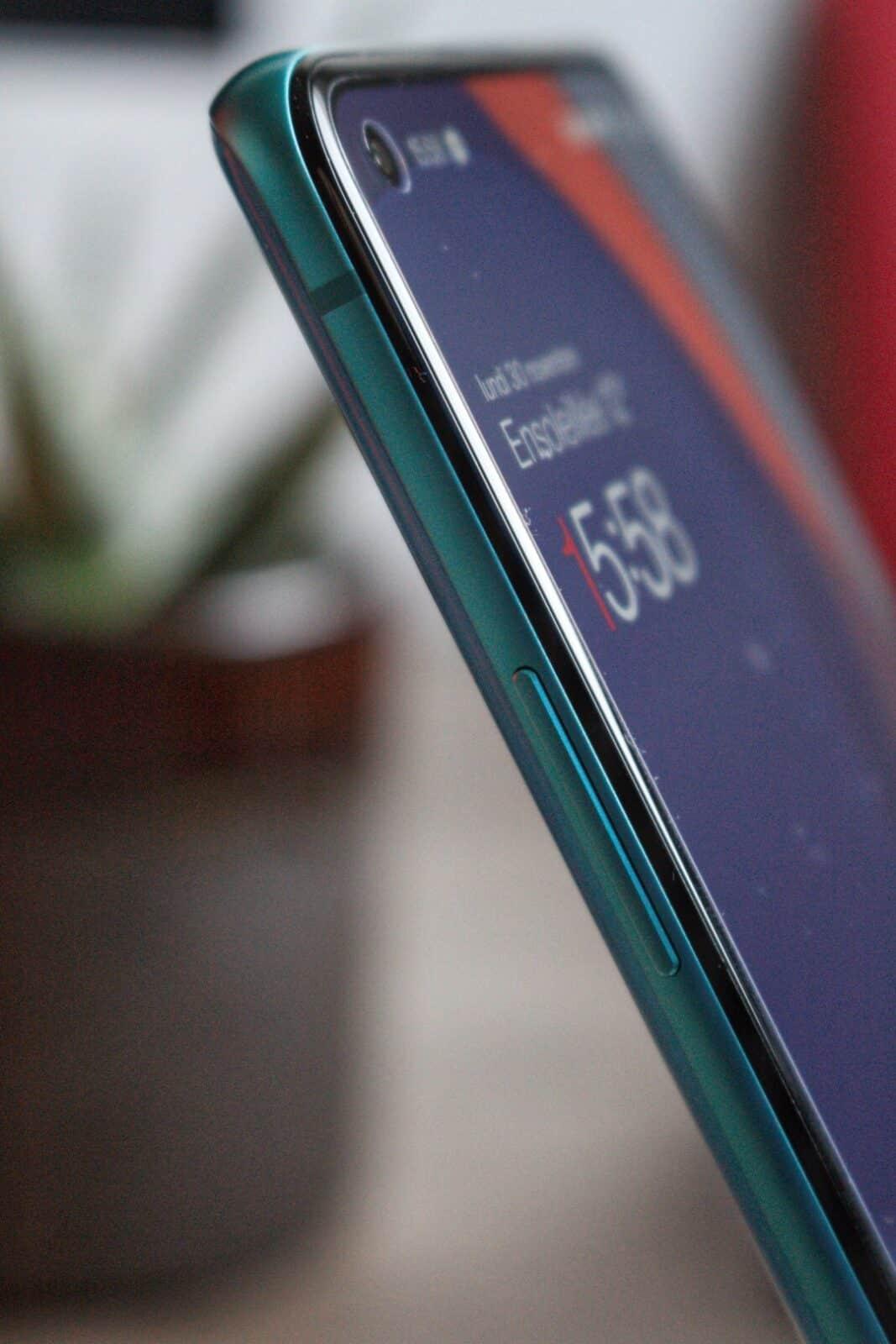 Tranche gauche OnePlus 8T