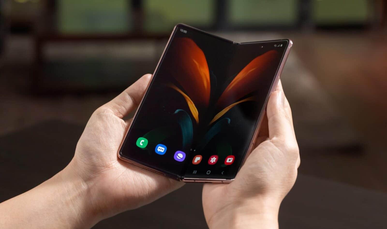 samsung-galaxy-z-fold-3-smartphone-pliable-mai-2021
