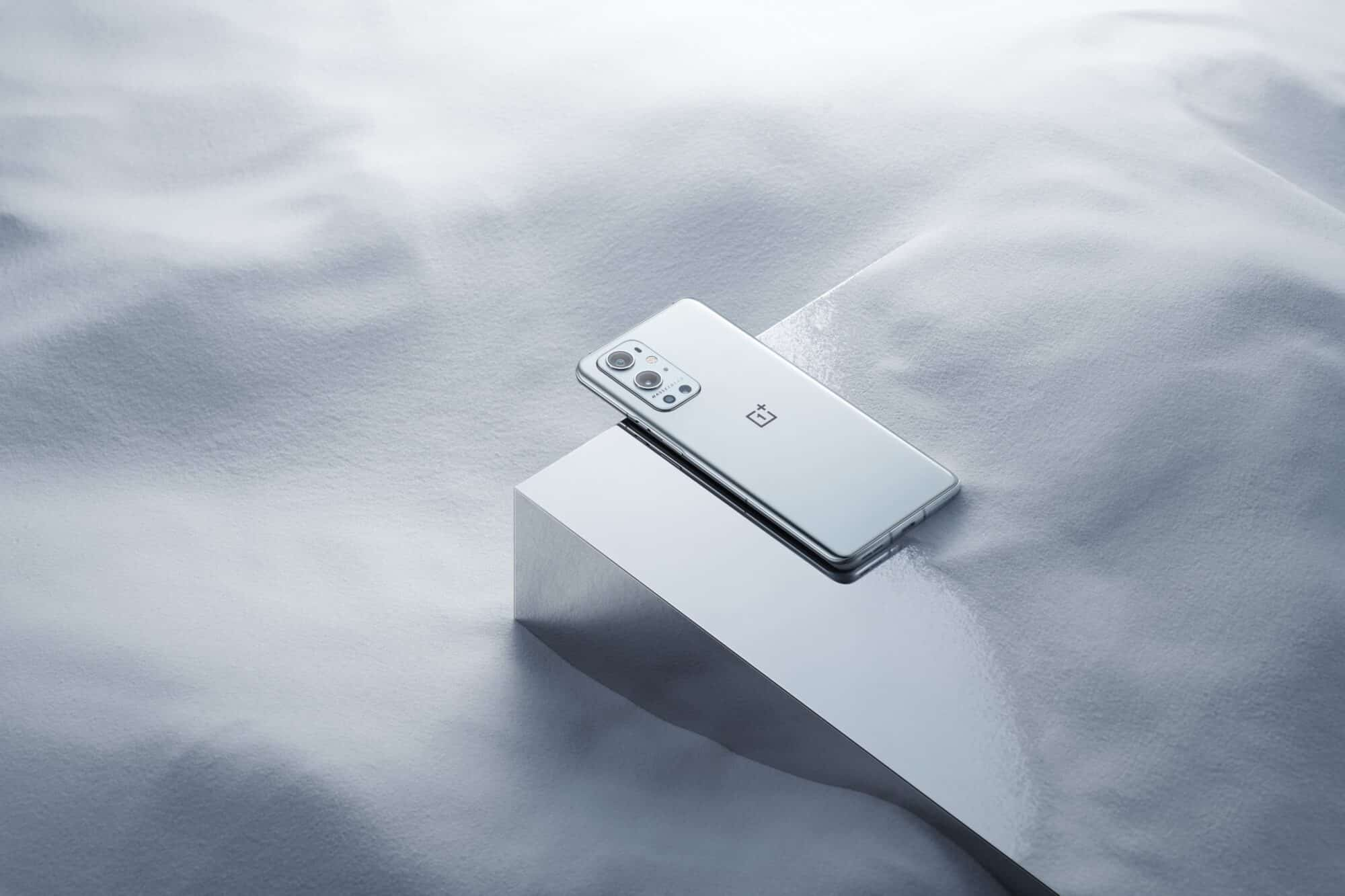 OnePlus-9-Pro-9R-smartphone
