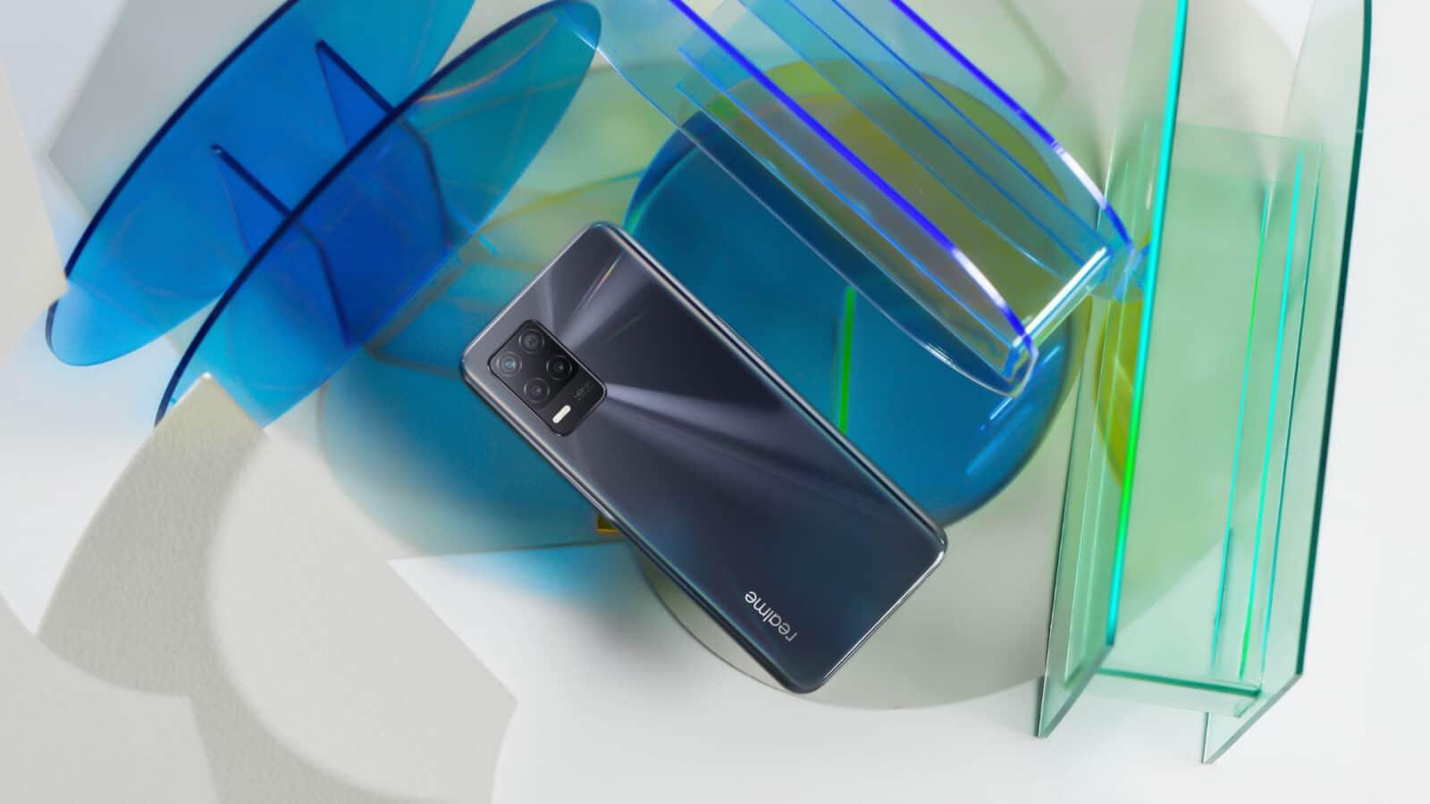 realme-8-5G-smartphone
