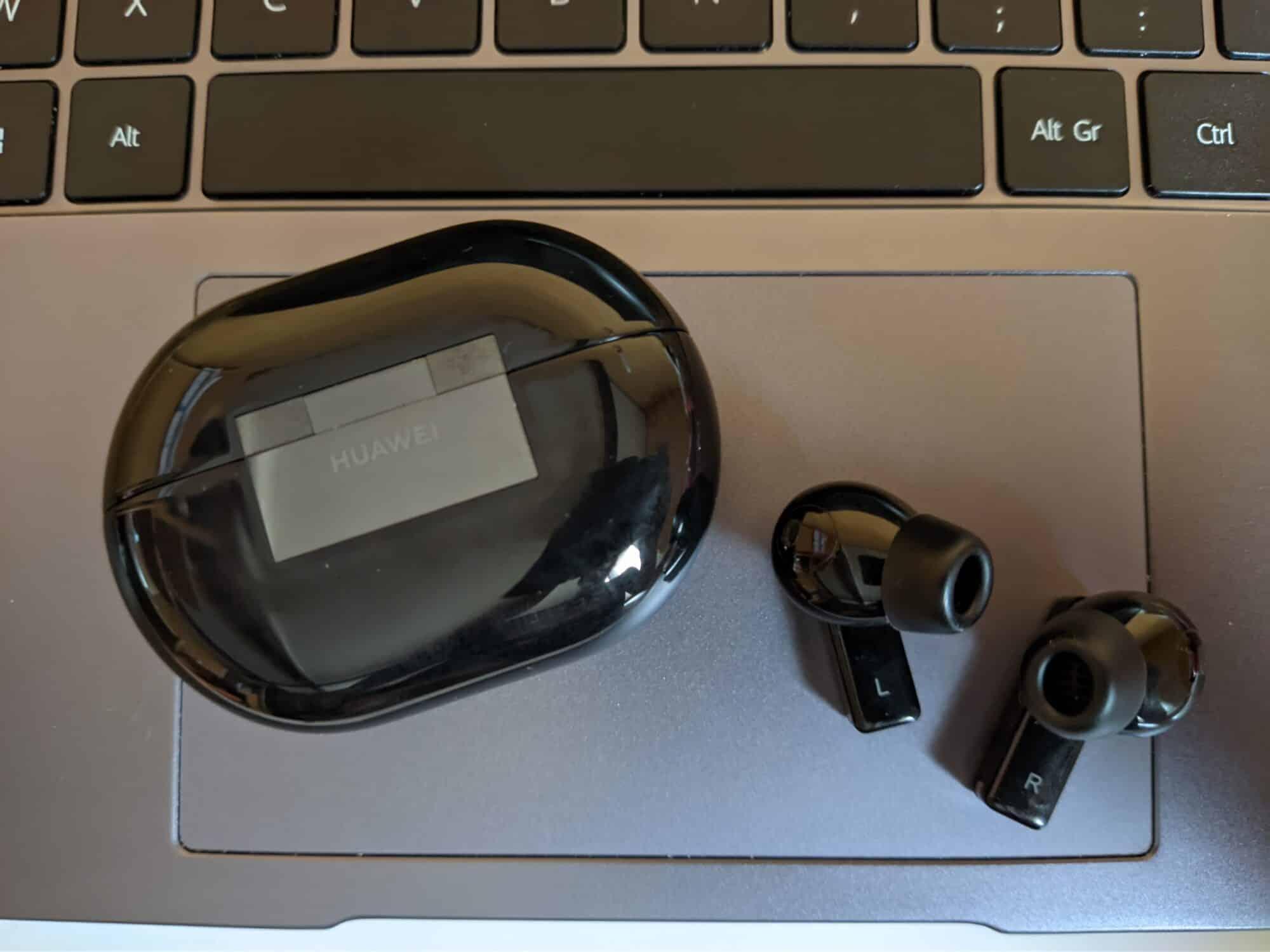 Huawei FreeBuds Pro Ai Life écouteurs bluetooth true wireless application mouvements interaction réduction bruit volume design