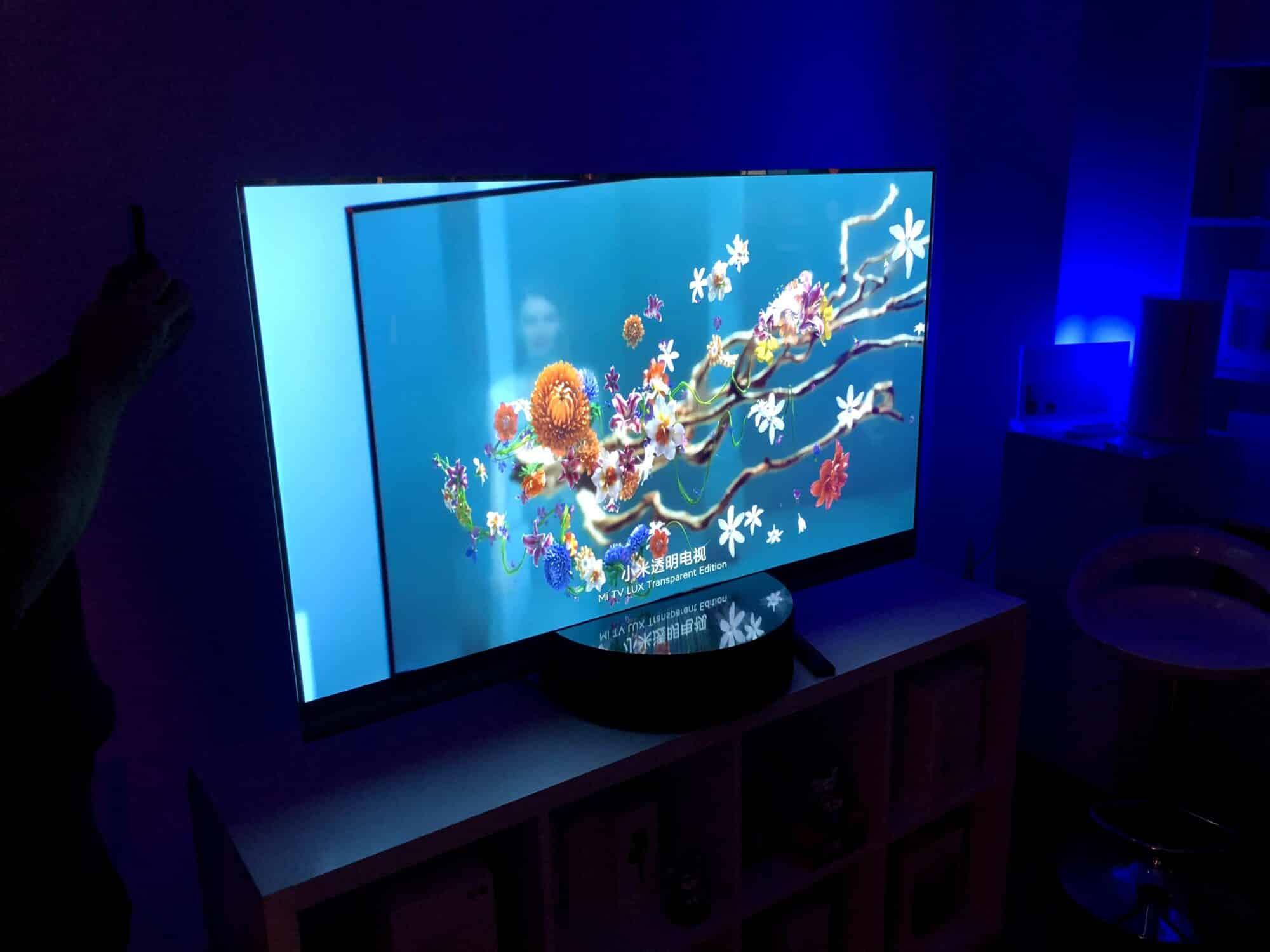 Mi Lux, MI LUX : Xiaomi propose une TV transparente innovante !
